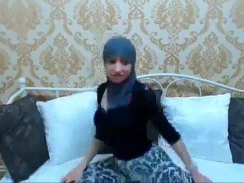 سارة من مدينة فاس !! قحبة معروفة-بورن سكس مغربي
