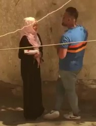 محجبه مع عشيقها ف عربيته يقلعها ويفرش فيها ويصورها ملط-بورن سكس عربي