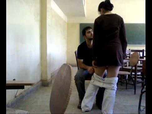 عراقية تتناك من أستاذ هايج في القسم-بورن سكس عراقي