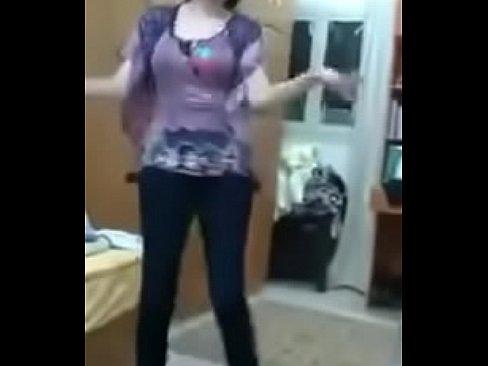 قحبة عراقية ترقص لعشيقها !! ننار-بورن سكس عراقي
