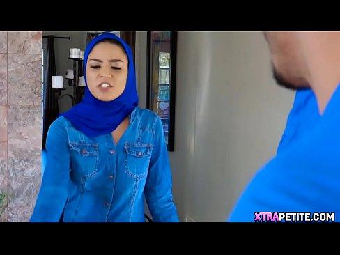 محجبة قطرية جميلة تتناك من أخ وصديقه !!! ناررر-بورن سكس محجبات
