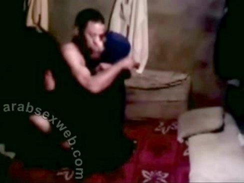 سعودي هايج يمارس الجنس بروعة من عشيقته المحجبة-بورن سكس سعودي