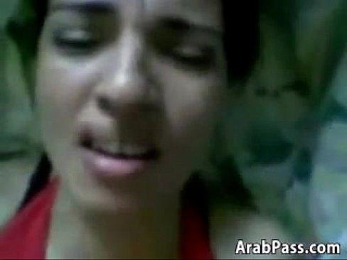 ملبنة تتناك وتقول كلام هايج حتى يغمى عليها-بورن سكس تونسي