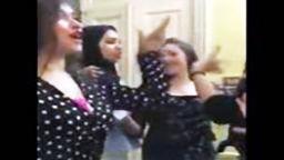 بورن سكس مصري بنات يرقصو ويغنو انا سافلة قوي رقص بورن سكسي مصرى مقاطع مصريه ساخنة-بورن سكس مصري