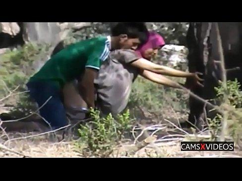 موريتانية تتناك في الغابة مع عشيقها-بورن سكس موريتاني