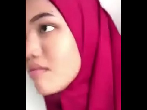 محجبة عربية تتناك وتمص الزب-بورن سكس خليجي