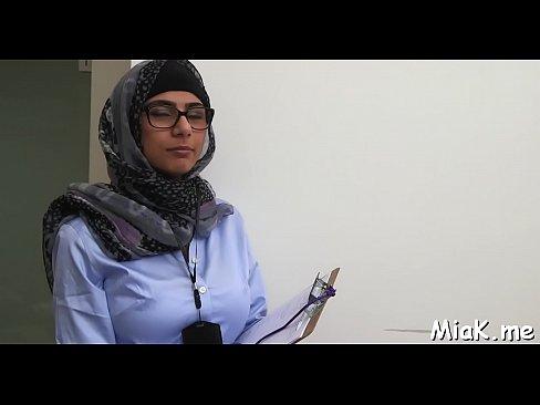 العربية مايا خليفة ممرضة تقيص اكبر زب -بورن سكس عربي