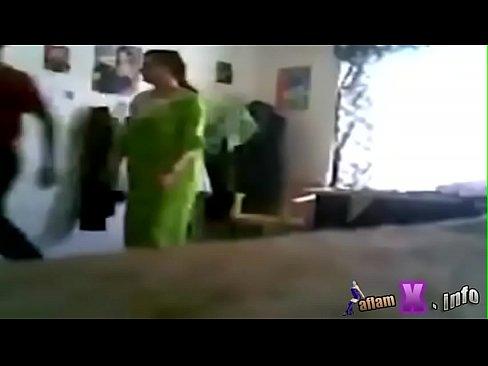 شاب كويتي يمارس الجنس مع أخت الزوجة وهي واقفة-بورن سكس كويتي