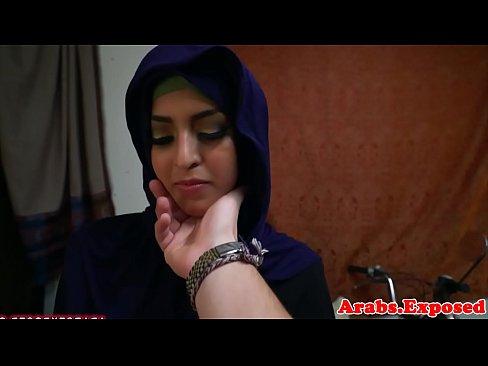 محجبة بحرينية تمص الزب وتتناك من صديقها الجديد-بورن سكس بحريني