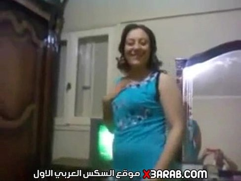 فيديو مسرب لمصري يصور زوجته وهي تقلع هدومها و ينشر -بورن سكس ويبكام