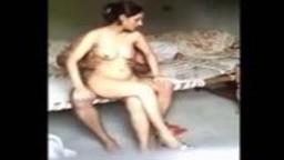بورن سكس عربي محجبة مراهقة مع صاحب اخوها يخلعها ملابسها وتمص زوبره واخوها يصور-بورن سكس عربي