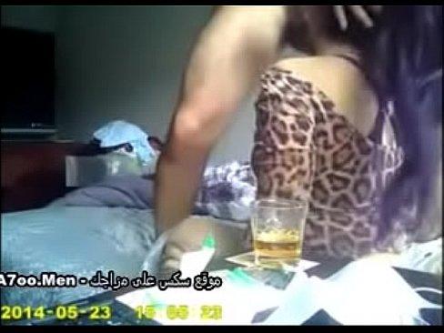 سعودي سكران ينيك عشيقته في الشقة وتقول كلام هايج-بورن سكس سعودي