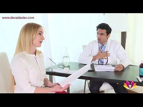 شقراء تتناك من طبيبها !! روعة بورن سكس-بورن سكس مترجم