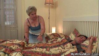 افلام بورن سكس حوامل الزوجة الممحونة والدكتور النساء الزنجي ابو زبر ضخم في العيادة-بورن سكس أجنبي