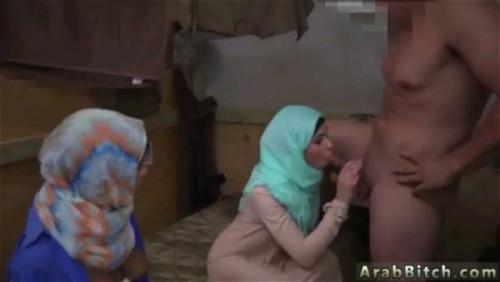 نيك في طيز مغربية كبيرة وحلوة وقذف علي ظهرها-بورن سكس عربي