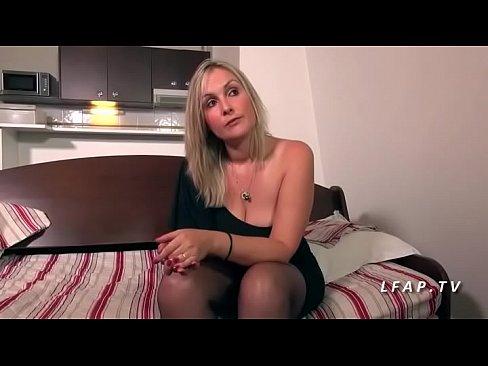 ميلف فرنسية هايجة تتناك بقوة-بورن سكس فرنسي