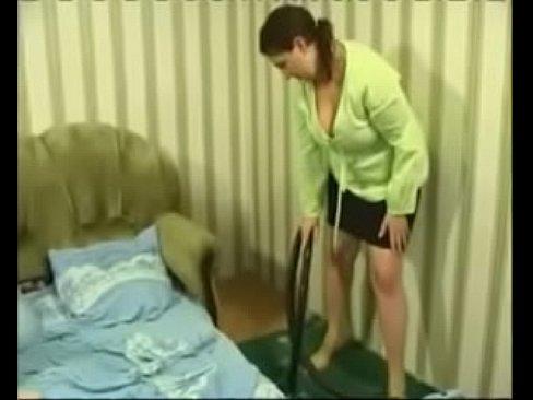 أم روسية ممحونة تتناك من إبنها في السرير !! بعد رغبة كبيرة-بورن سكس محارم
