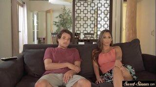 نيك طيز مترجم الزوجة الخائنة مع عشيقها في الحمام وزوجها يشارك-بورن سكس أجنبي