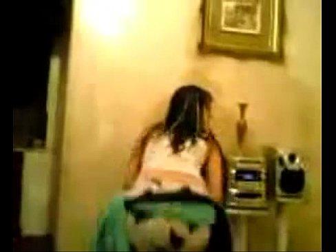 شرموطة ترقص لصديقها المولع-بورن سكس قطري