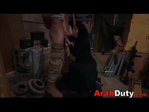 محجبة سعودية محترفة في مص الزب تتناك-بورن سكس كاميرة مخفية