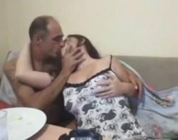 فرسه ترضع ف زبر حبيبها ويقلعها وتتناك وتكيفه اوى-بورن سكس عربي