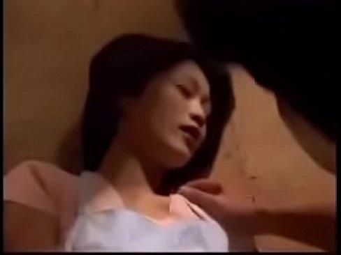 يبانية يهيجه صديقها !! يبوس جسدها كله تم تتناك بأوضاع مغرية-بورن سكس ياباني
