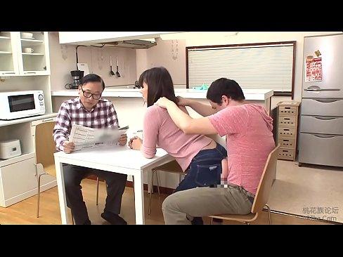 يابانية ميلف تنيك بالجينز الممزق-بورن سكس ياباني