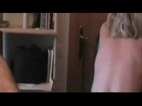 ميلف فرنسية تحب الجنس العنيف تتناك من الخلف-بورن سكس فرنسي