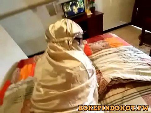 سعودية محجبة تتناك من عشيقها !!-بورن سكس سعودي