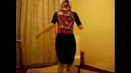 سعودية بترقص لعشيقها بقميص النوم-بورن سكس عربي