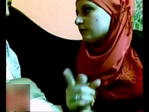 محجبة مصرية مع حبيبها في المقهى-بورن سكس محجبات