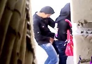 محجبه تقابل حبيبها فوق السطوح يخلعها وزبر ف السريع ويصورها-بورن سكس عربي